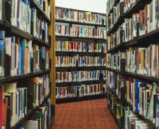 Biblioteka Grodzisk Maz.: Jak wspierać rozwój sensomotoryczny u malucha - warsztat w Klubie Mam MamyTeka
