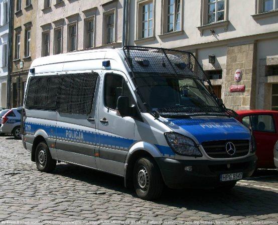 Policja Grodzisk Maz.: Bezpieczeństwo w sieci tematem cyklu zajęć z uczniami